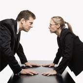 10رفتار نفرت انگیز نسبت به همکاران